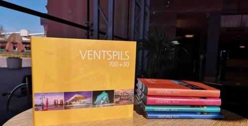 """Tirdzniecībā pieejams Ventspils jubilejas fotoalbums – """"Ventspils 700+30"""""""