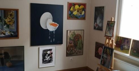 """Galerijā """"Žagata"""" skatāma Ventspils amatiermākslinieku darbu izstāde"""
