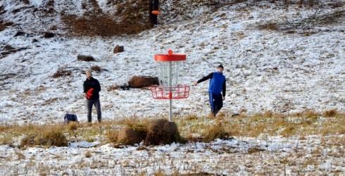 Jaunums – Deviņkalnu disku golfa parks Talsos!