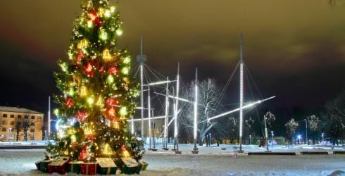 Ventspils aicina uz svētku egles iedegšanas svētkiem Lielajā laukumā