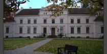 Ivande Manor